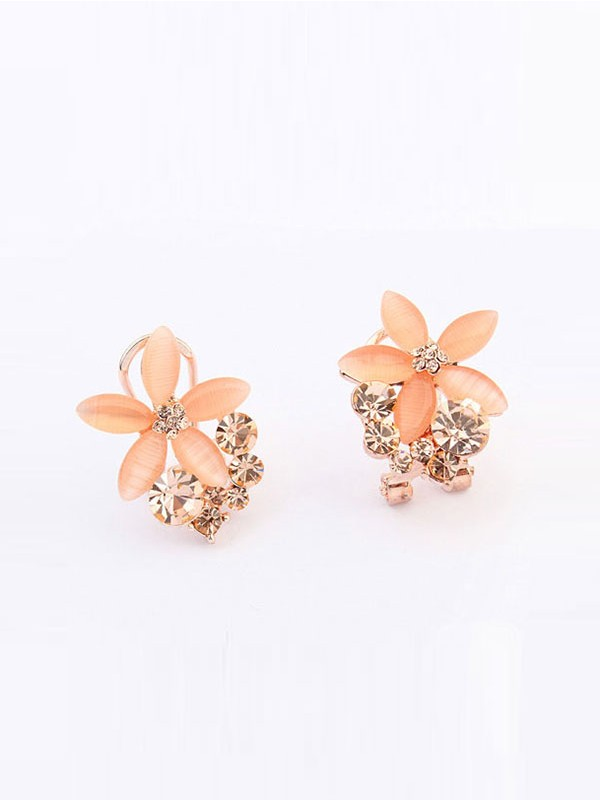 Oeste Boutique Five Petal Ear Clip
